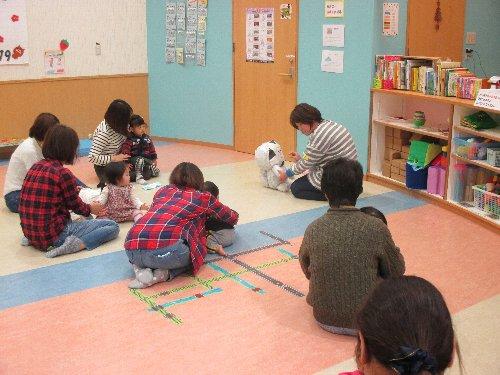 ミニ講座「親子で一緒にふれあい遊び」